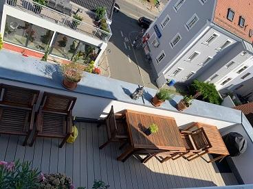 Penthouse-Maisonettewohnung mit Wintergarten und 2 Dachterrassen sowie Garage in Nürnberg-Johannis