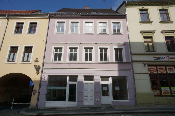 kleines Wohn- und Geschäftshaus im Stadtzentrum