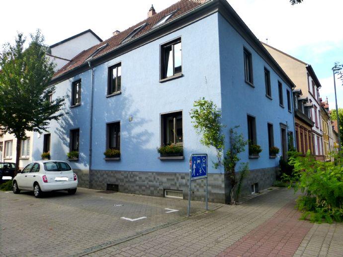 Tolles Vierfamilien- Mehrgenerationenhaus in Kaiserslautern