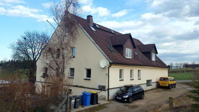 Mehrfamilienhaus in ländlicher Lage, verkehrsberuhigte Seitenstraße, voll vermietet