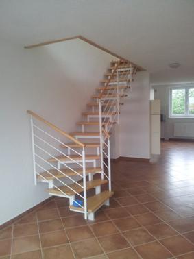 Maisonette-Wohnung mit interessantem Flair, Terrasse und Einbauküche in Wehlheiden zu vermieten