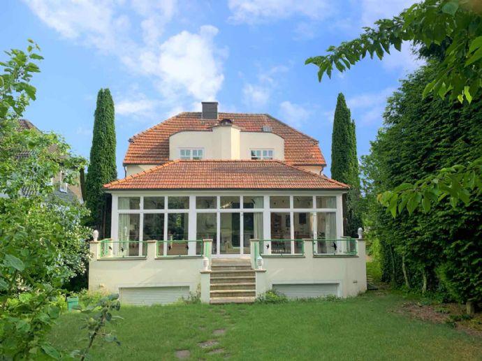 Gesuchtes Anwesen mit Ambiente, wertbeständig, repräsentativ, ruhig, großzügiger Wintergarten