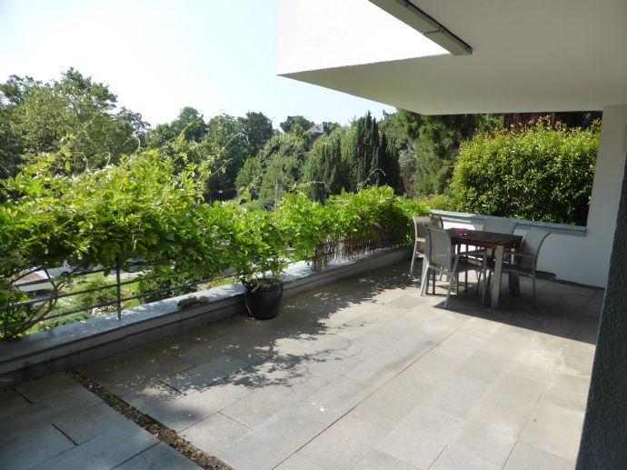 Großartige, moderne Terrassenwohnung mit Garten in bevorzugter, grüner Halbhöhenlage - Killesberg