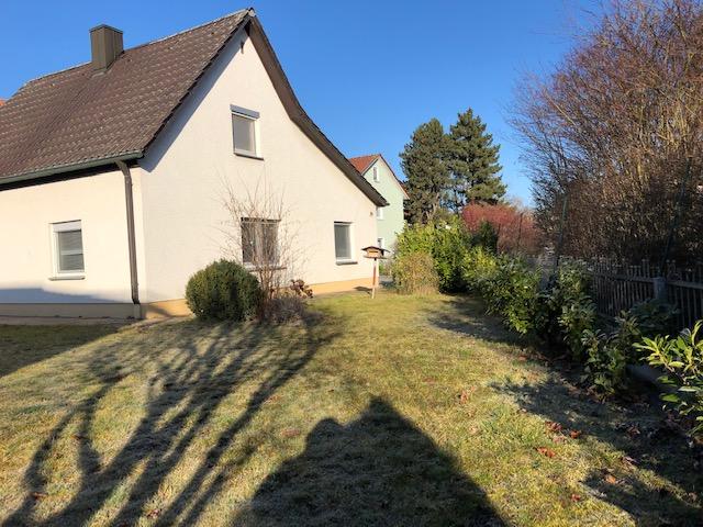 Einfamilienhaus mit großem Garten sofort bezugsfähig