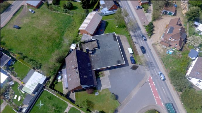 Reduziert : Gebäudeensemble im Herzen von Osterrönfeld
