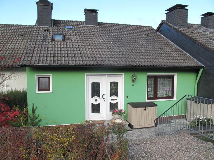 Gepflegtes Reihenmittelhaus mit Garage in Bad Berleburg-Stadt