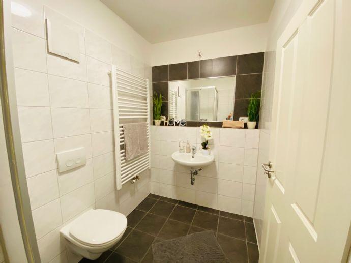 *3,2,1 - DEINS!* Schöne 2-RW mit Terrasse, hochwertiger EBK, Waschmaschine und Gartenanteil in beliebter Lage!