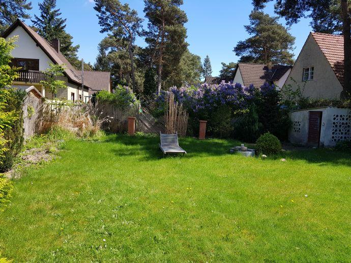Zauberhaftes Haus Sommerfeld Siedlung komplett renoviert, sehr schöner Garten
