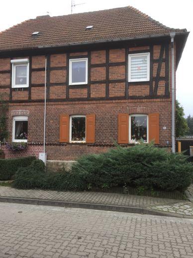 Provisionsfreie Doppelhaushälfte mit Flair und Charme