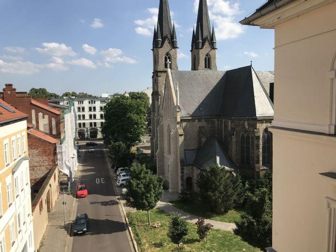 2- Zimmerwohnung mit Blick auf den Ambrosiusplatz zu vermieten!