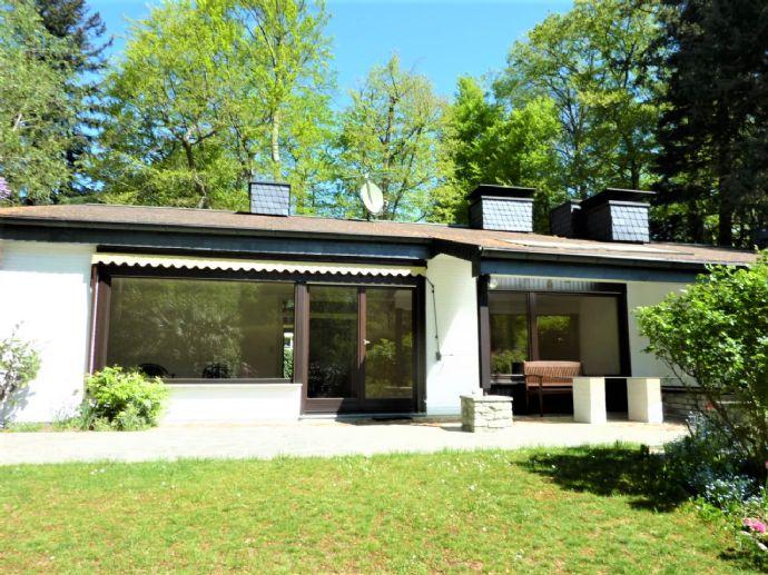 Nähe Tannenwaldallee: Charmantes Einfamilienhaus mit herrlichem Südwest-Grundstück