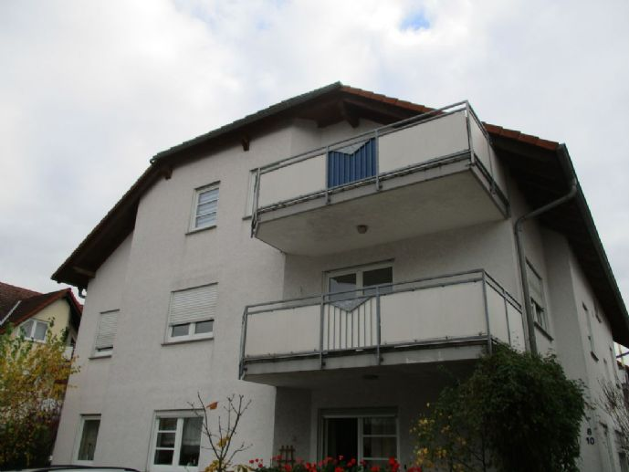 Hier entsteht eine Traumwohnung !! Total renoviert und dann zu mieten 3 Zimmer-Wohnung in Jügesheim