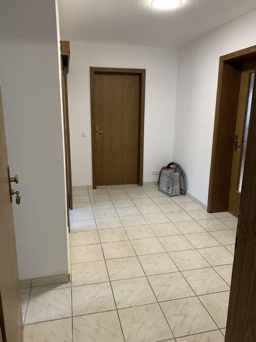 Frisch renoviert 4-Zimmer-Wohnung mit Balkon im 1. OG!