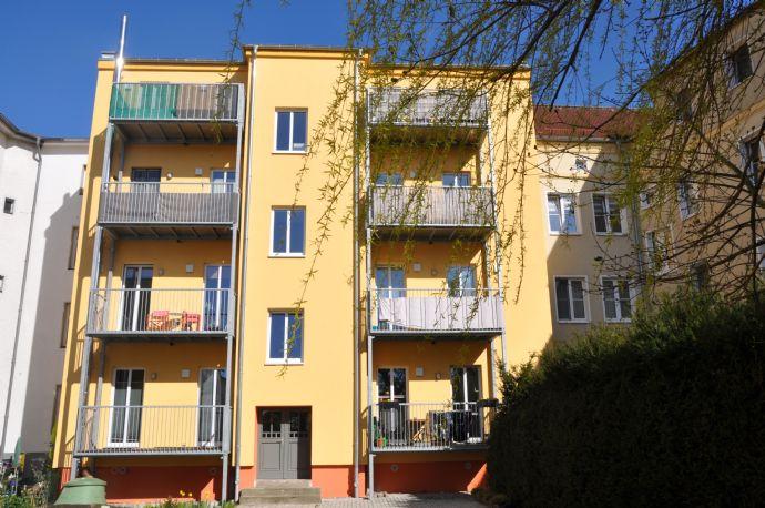 kleine helle 3-Zimmer Wohnung mit Balkon - Zweitbezug nach Sanierung