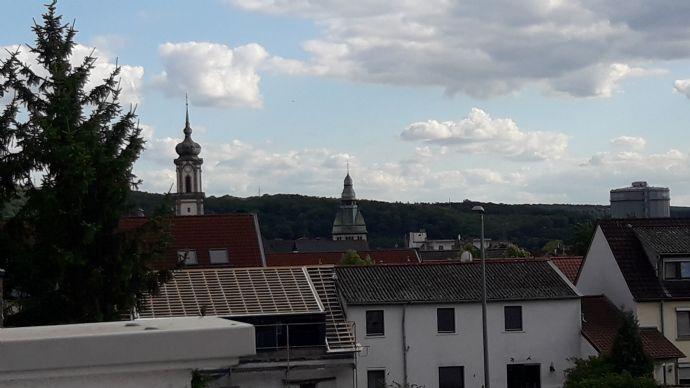 2-Zimmer-Wohnung mit EBK in renoviertem Altbau Nähe Bürgerpark zu vermieten.