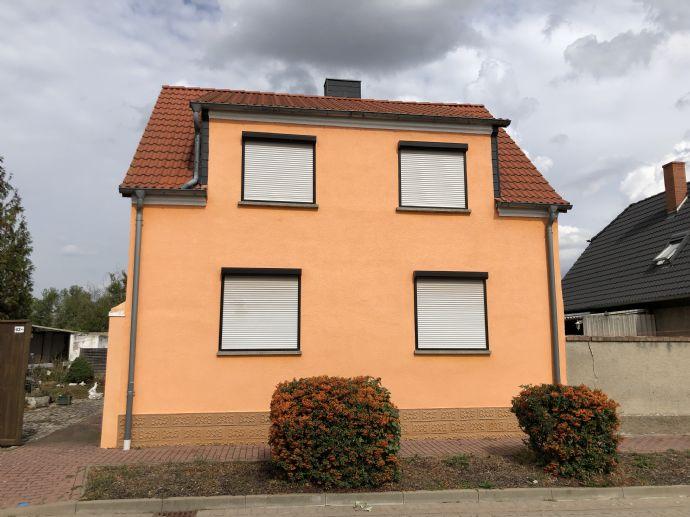 Doppelhaushälfte mit Garage und Zufahrt in Lebendorf bei Könnern