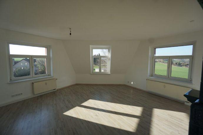 3-Zimmer-Wohnung im 2. Obergeschoss mit Einbauküche