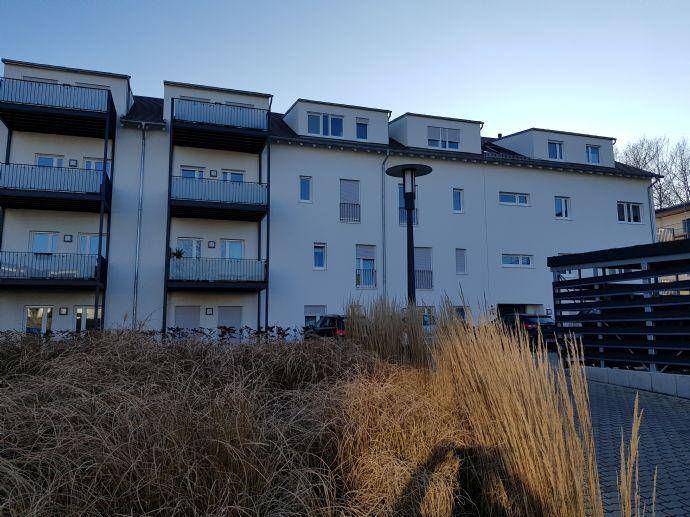 traumhafte 2 ZKB*Neubau*geräumiger Balkon*Bad mit Wanne und Dusche*Kaltmiete 620,00 €*2 Stellplätze 80 €*