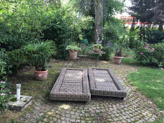 7 Zimmer - Whg mit idyllischem Garten !