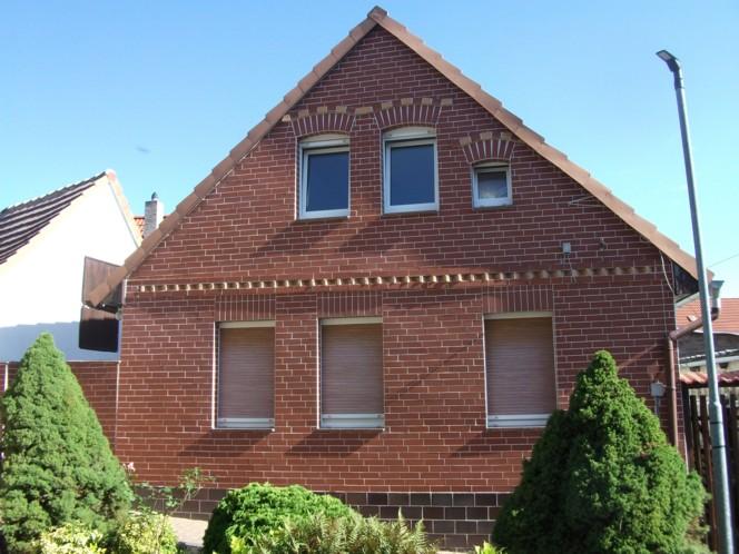 Kleines Einfamilienhaus mit Garage in Helbra RESERVIERT