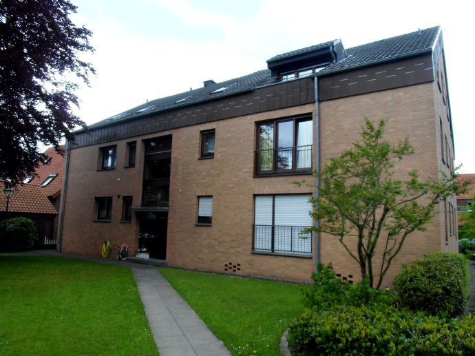 GT - nahe Mohn-Media - TOP - große 3 Zimmer und Einbauküche, Bad, sep. WC,  Balkon