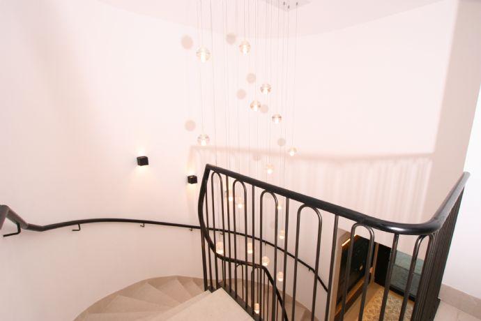 Mittendrin Exclusive 4-Zimmer Wohnung St.Anna Platz
