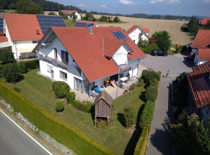 Beeindruckendes 1-2 Familienhaus in bester Höhenlage von RV