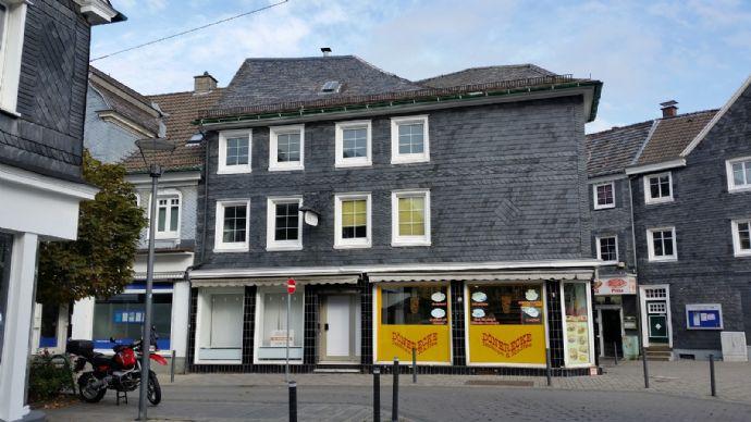 Das markante Wohn- und Geschäftshaus am Markt