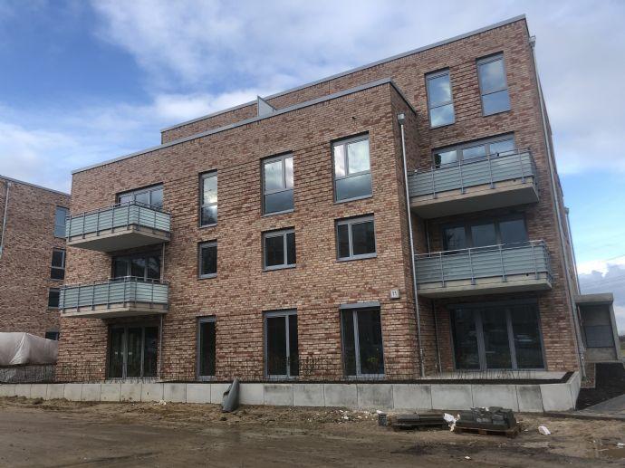 ERSTBEZUG! Großzügige 3-Zimmer- Wohnung mit Balkon und EBK