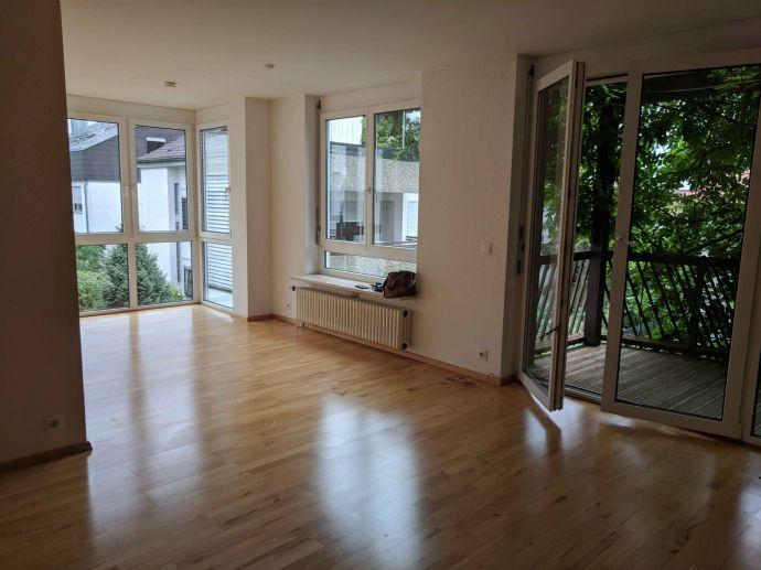 Exklusive 4-Zimmer-Maisonette-Wohnung in kleiner Wohneinheit in Stuttgart-Muckensturm