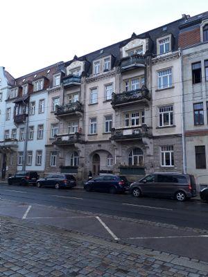 3 Raum Wohnung mit Balkon