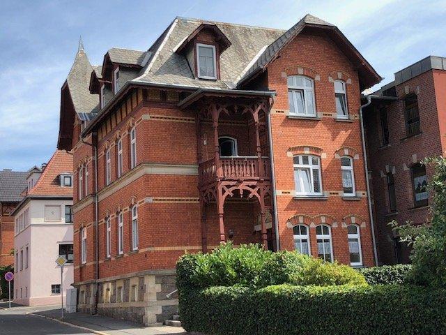 Gelegenheit für Kapitalanleger: Stilvolles Stadthaus mit 5 Wohnungen in Sonneberg-Stadtzentrum