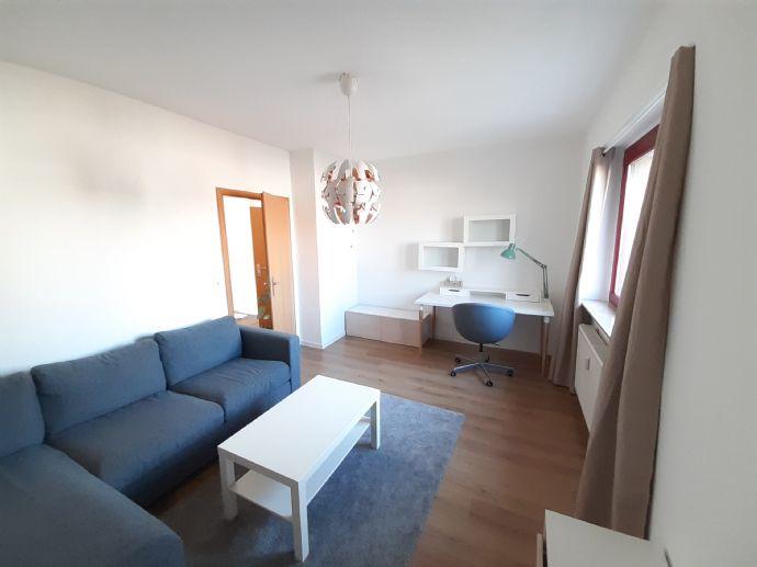 Wohnung im Quartier am Puppenthater mit neuer Einbauküche und Balkon, Parkmöglichkeit vorhanden