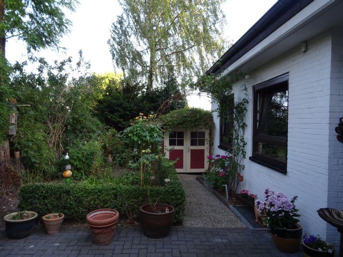 sehr gepflegtes Einfamilienhaus in schöner Lage von Wedel