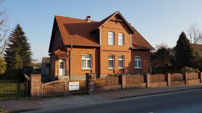 Präsentatives Einfamilienhaus mit viel Platz und großem Garten in Fleetmark
