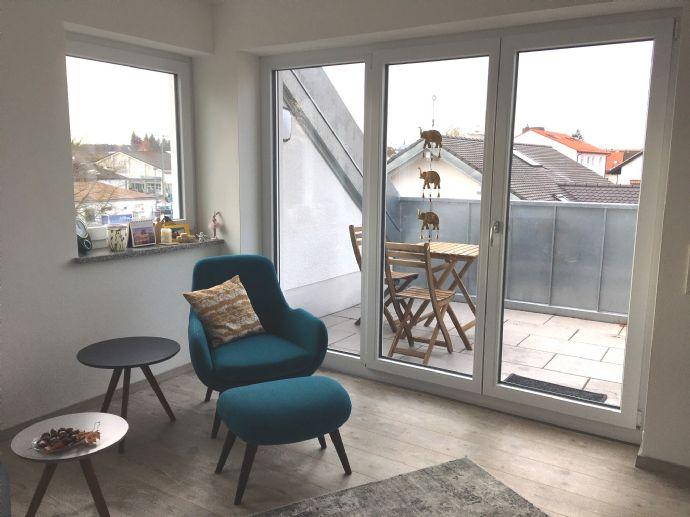 Helle möblierte 2-Zimmer-Wohnung in Mering mit Einbauküche; 3 Gehminuten zum Bahnhof