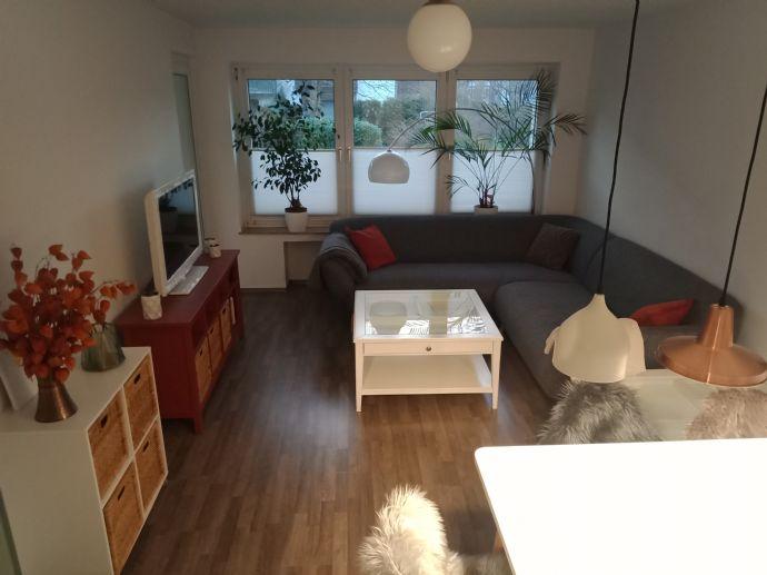 Helle modern eingerichtete 3 Zimmer Wohnung - voll ausgestattet