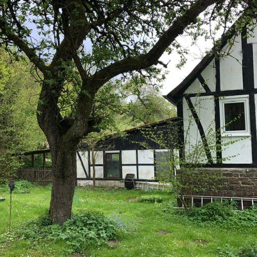 idyllisches Fachwerkhaus mit großem Garten und Garage in Lennestadt Elspe!