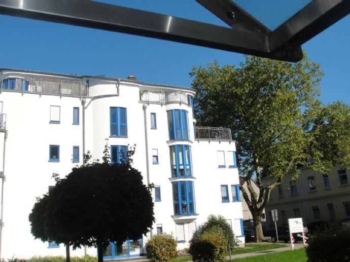 Sehr schöne Single -Wohnung mit großem Balkon