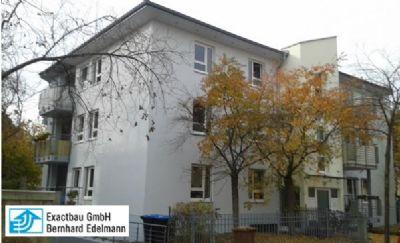 Schöner Schnitt! 3-Zimmer-Dachgeschoss-Wohnung mit ca. 70,05 m² Wohnfläche mit Balkon und Tiefgaragen-Stellplatz in B...