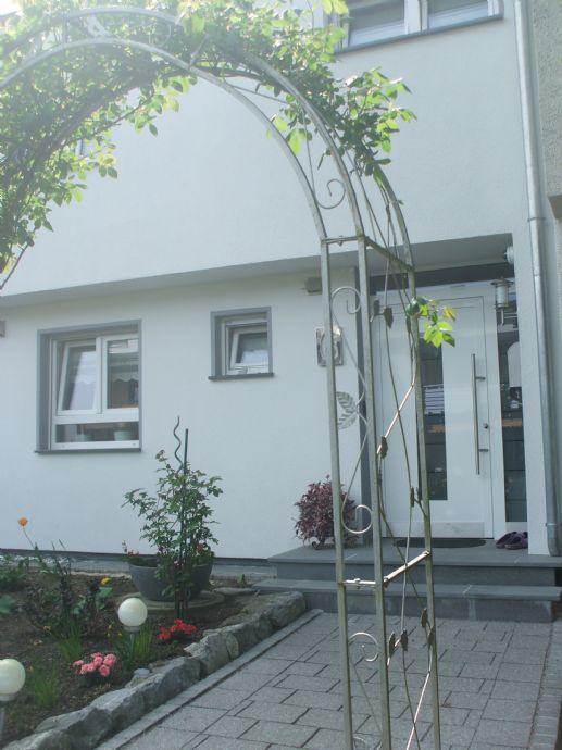 Einfamilienhaus in Markdorf mit 2 Garagen