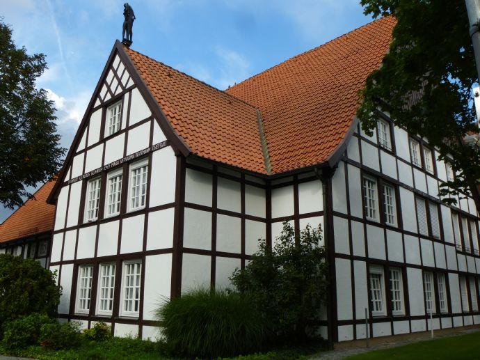 Obergeschoßwohnung in einem denkmalgeschützten Wohnhaus