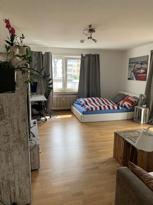 Möbilierte Südstadtwohnung - 1-Zimmer mit separater Küche, Tageslichtbad und Balkon
