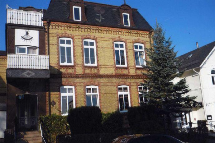 4-Zi.-Wohnung im 2. Obergeschoss, 103 m². Zentrale  Lage von Schleswig. Balkon mit Schleiblick.