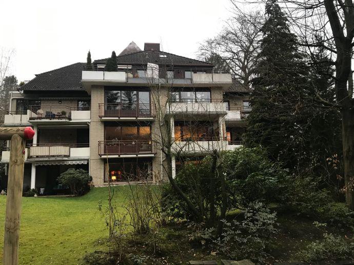 Wentorf / In der Nähe des Reinbeker Schlosses: 1-Zimmer-Appartement mit Balkon und TG-Platz in parkartiger Wohnanlage inkl. Saunanutzung zu vermieten.
