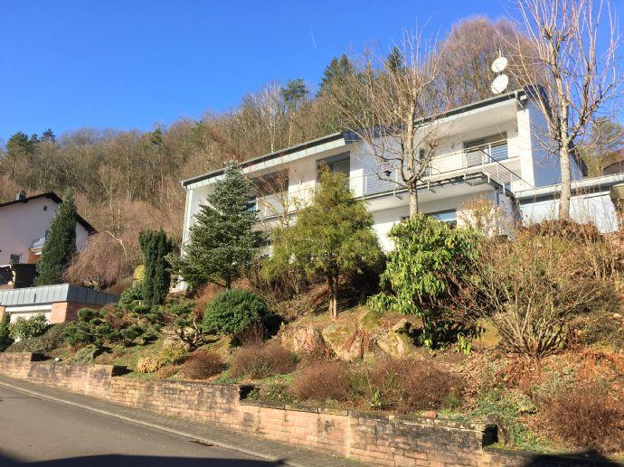 Exklusives Einfamilienhaus in Waldrandlage