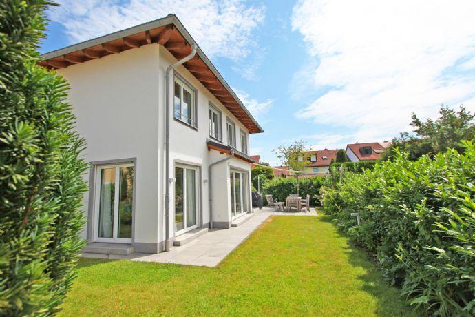 HEINRICH v. KÖLICHEN: Für die Familie: Modernes EFH mit stilvoller Ausstattung in Bogenhausen-Denning