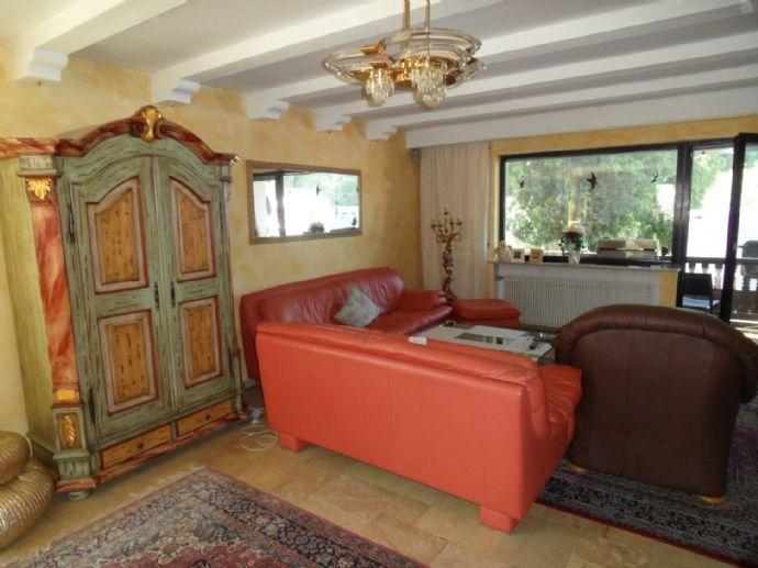 Mehr-Einfamilienhaus mit 3x Einliegerwohnung