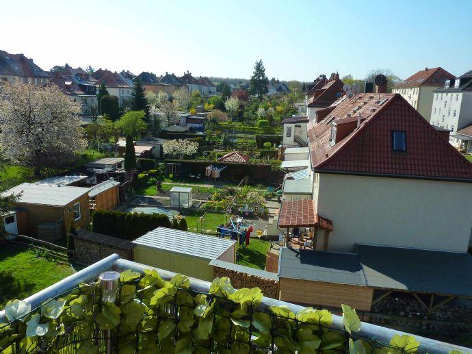 Sonnige vermietete DG-Maisonette 3-Zimmer-Wohnung in Dölitz-Dösen mit über 4,1% Rendite