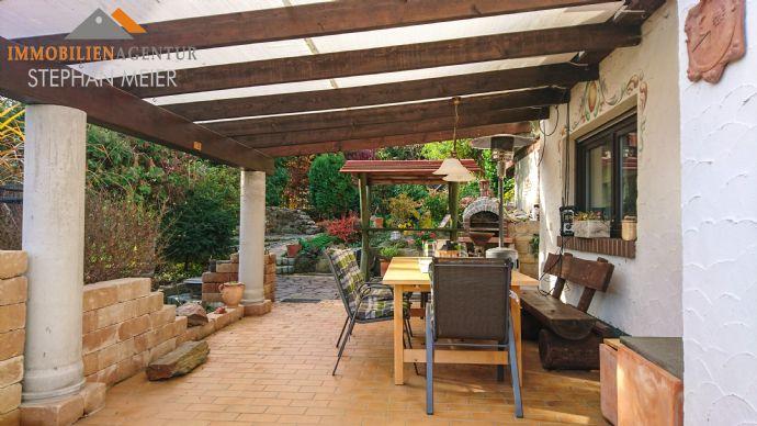 Attraktives Wohnhaus für die große Familie | Einrichtung von Gewerberäumen möglich | Garage | Garten | Terrasse in Südausrichtung | Ruhige Lage!